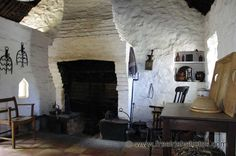Old Irish Cottage Interiors - Free Irish Photos, Stock Images, Desktop Backgrounds and Wallpaper! Cottage Fireplace, Farmhouse Fireplace, Cottage Living Rooms, Cottage Interiors, Cottage Homes, Farmhouse Design, Rustic Design, Old Irish, Irish Celtic
