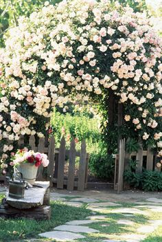 You don't need to own a cottage to be inspired by these charming garden ideas. The addition of an arbor will instantly transform your garden into a romantic escape, not to mention its a beautiful place to showcase climbing flowers and vines. Beautiful Roses, Beautiful Gardens, House Beautiful, Romantic Backyard, Rustic Backyard, Large Backyard, The Secret Garden, Secret Gardens, Climbing Flowers