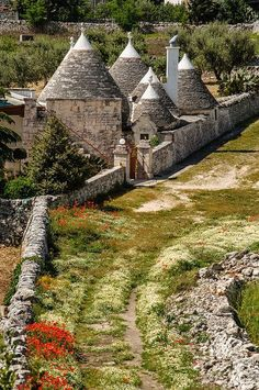 Trulli houses in Alberobello, Puglia, Italy Places In Italy, Places To See, Bari, Beautiful World, Beautiful Places, Castel Del Monte, Italy Holidays, Regions Of Italy, Photography Tours