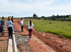 Obra de construção de faculdade terá início em breve http://www.passosmgonline.com/index.php/2014-01-22-23-07-47/educacao/10640-obra-de-construcao-de-faculdade-tera-inicio-em-breve