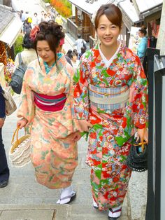 Kimonos in old Japan by Kevin Kelly on 500px