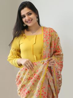 Kurtis neck designs for stylish look - Simple Craft Ideas Neck Designs For Suits, Sleeves Designs For Dresses, Dress Neck Designs, Blouse Designs, Pakistani Fashion Casual, Indian Fashion Dresses, Indian Designer Outfits, Kurti Sleeves Design, Kurta Neck Design