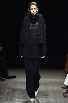 Motohiro Tanji Tokyo Fall 2016 Collection Photos - Vogue