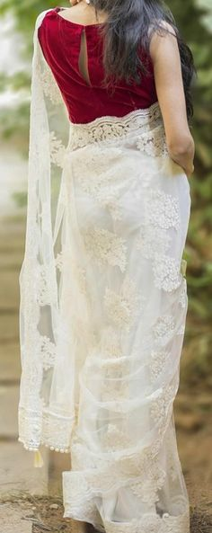 Beautiful white saree, with sprinkling colored tassels, ARIA Ethnic Indian Sarees, Indian Attire, Indian Ethnic Wear, Indian Style, Indian Dresses, Indian Outfits, White Sari, Saree Jackets, Simple Sarees, Stylish Sarees