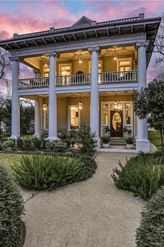 1910 Greek Revival For Sale In Smithville Texas — Captivating Houses Greek Revival Architecture, Beautiful Architecture, Beautiful Buildings, Beautiful Homes, Classical Architecture, Architecture Design, Southern Architecture, Sustainable Architecture, Old Mansions