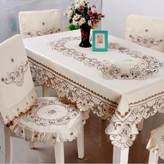 Linge de table on AliExpress.com from $6.9 Dinning Chair Covers, Dining Table Cloth, Table Covers, Table Linens, Pretty Birthday Cakes, Bordado Floral, Cutwork Embroidery, Floral Tablecloth, Sewing Table