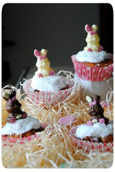 Picture Battle, Easter, Desserts, Food, White Chocolate Cupcakes, Meal, Deserts, Essen, Hoods