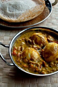 Kerala Style Egg Curry with Coconut Milk ~ Nadan Mutta Curry - Mirch Masala Fried Fish Recipes, Veg Recipes, Indian Food Recipes, Vegetarian Recipes, Ethnic Recipes, Kerala Recipes, Cooking Curry, Indian Cookbook, Egg Curry