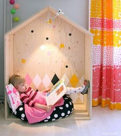 the boo and the boy / Adorable space for reading.
