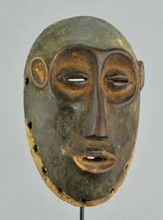 Bid in Unique Tribal Art Auction on Apr 2020 by in NY Statues, Paris New York, Forest People, Belgian Congo, Art Gallery, Art Tribal, 17th Century Art, Art Premier, African Nations