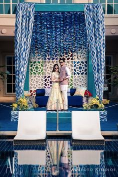 Stunning turquoise wedding decor photos that are a feast for the eyes! Exactly what Wedding Pink Wedding Theme, Wedding Stage, Online Wedding Planner, Wedding Function, Indian Wedding Decorations, Wedding Designs, Wedding Ideas, Wedding Inspiration, Wedding Trends