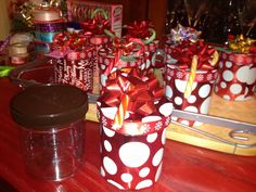 From empty Talenti gelato containers to adorable kids' gifts filled with tiny treasures. I am the recycle queen! Holiday Themes, Holiday Gifts, Holiday Ideas, Christmas Ideas, Diy Projects To Try, Craft Projects, Craft Ideas, Reuse Containers, Recycled Jars