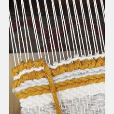 Knot tutorial 2019 I hope this little tutorial is helpful. Love this knotting technique that adds a lot of texture and holds the weaving in place. Cotton rope is thick. The post Knot tutorial 2019 appeared first on Weaving ideas. Weaving Loom Diy, Weaving Art, Tapestry Weaving, Loom Weaving Projects, Weaving Textiles, Weaving Patterns, Weaving Designs, Weaving Wall Hanging, Weaving Techniques