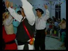 """Foto de grupo folclórico português que participava das festividades que ficaram conhecidas como """"Mês de Portugal"""" em Cambuquira-mg"""