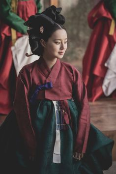 """First still image of Moon Chae-Won in movie """"Feng Shui"""" Korean Traditional Clothes, Traditional Fashion, Traditional Dresses, Martial, Korea Dress, Fair Complexion, Fawn Colour, Korean Products, Sleeveless Outfit"""