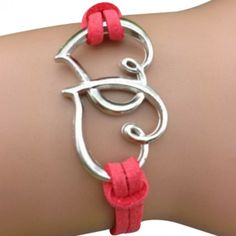 RED HEARTS ARM PARTY BRACELET