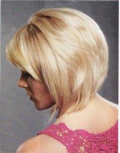 Layered Bob Haircut - someday ill cut my hair this short again! Layered Bob Haircuts, Cute Haircuts, Medium Bob Hairstyles, Pretty Hairstyles, Short Hair Cuts, Short Hair Styles, Locks, Haircut And Color, Great Hair