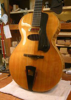 Beautiful Archtop by Wyatt Wilkie http://wilkiestringedinstruments.com/