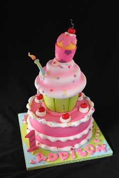 Cupcake Cake by Andrea's SweetCakes, via Flickr