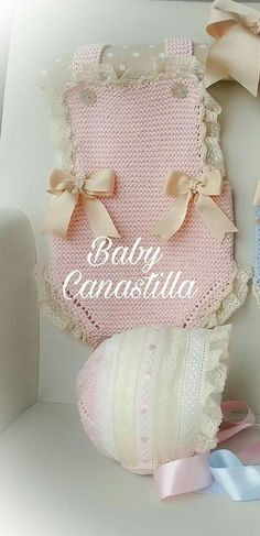 This Pin was discovered by Hav Preemie Crochet, Newborn Crochet, Knit Crochet, Knitting Patterns, Crochet Patterns, Baby Dress Patterns, Crochet Baby Clothes, Crochet Slippers, Baby Costumes
