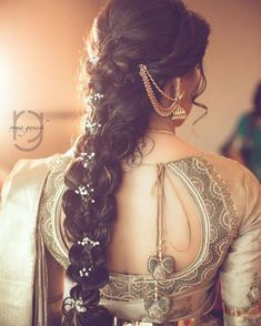 Wedding season is coming. So we are here with trendy hairstyles for long hair. Find your favourite hairstyle for your stylish look! South Indian Wedding Hairstyles, Bridal Hairstyle Indian Wedding, Bridal Hairdo, Indian Bridal Makeup, Wedding Hairstyles For Long Hair, Wedding Hairdos, Hairdo Wedding, Boho Wedding, Short Hair
