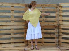 Lekkie letnie ponczo w pięknym żółtym kolorze robione na szydełku
