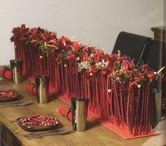 ...centro de mesa en rojo Party Table Decorations, Flower Decorations, Christmas Decorations, Table Centerpieces, Deco Floral, Arte Floral, Floral Design, Bridal Flowers, Flower Bouquet Wedding