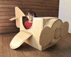 projects to do with the girls DIY cardboard airplane Cardboard Airplane, Big Cardboard Boxes, Cardboard Box Crafts, Cardboard Toys, Airplane Crafts, Cardboard Box Ideas For Kids, Airplane Party Food, Cardboard Train, Cardboard Frames