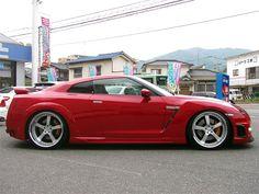 1000 Horsepower Nissan GTR by Wald