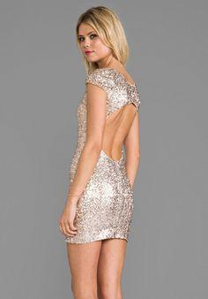 DRESS THE POPULATION Gabriella Dress in Champagne - Dresses