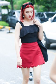 joy, red velvet, and park sooyoung image Seulgi, Kpop Fashion, Korean Fashion, Korean Girl, Asian Girl, Kpop Mode, Red Velet, Red Velvet Joy, Velvet Style