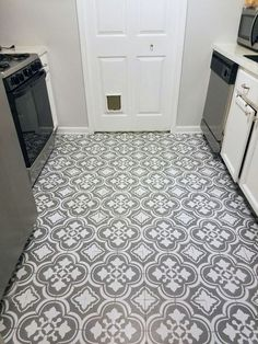 How to paint linoleum flooring, a great way to update your space on a budget! painted floors, floor stencils.