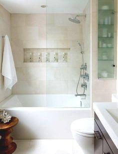 Cierres y mamparas de vidrio en baños pequeños