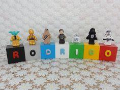 Cubos Lego Star Wars - RODRIGO  Cubos em madeira (mdf), pintados, envernizados e decorados com letras e personagens modelados em biscuit.
