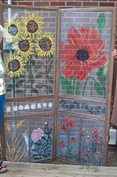 Have any old screen doors laying around?  Paint them and use them as semi-privacy screens in your yard / garden. yard garden, privacy screens, outdoor baths, old screen doors, garages, paint designs, outdoor kitchens, porch, paint screen