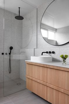 Beautiful master bathroom decor tips. Modern Farmhouse, Rustic Modern, Classic, light and airy master bathroom design ideas. Bathroom makeover tips and bathroom renovation tips. Beach Bathrooms, Laundry In Bathroom, Small Bathroom, Bathroom Ideas, Bathroom Sinks, Bathroom Grey, Bathroom Inspo, Dream Bathrooms, Bathroom Organization