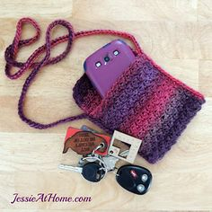 Quick Little Bag - free crochet pattern by Jessie Rayot / JessieAtHome