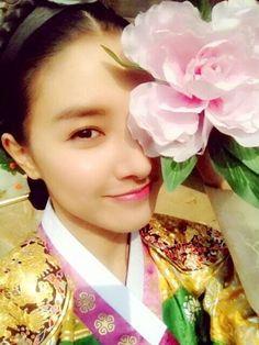 한복 Hanbok : Korean traditional clothes[dress] | Kim So Eun