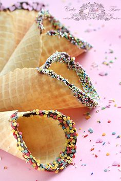 waffles rainbow 15 Sprinklicious Party Ideas 15 Sprinklicious Party Ideas - A Little Tipsy Sprinkle Shower, Sprinkle Party, Baby Sprinkle, Matilda, Chocolate Cone, Birthday Party At Park, Cinnamon Ice Cream, Game Of Thrones Party, Confetti Cones