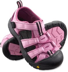 Best water shoes for kids! My daughter has narrow feet and these are the ONLY sandals that don't fall right off of her feet. Perfect for the beach or the sprayground. Keen Newport H2 Sandals - Toddlers at REI.