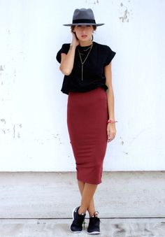 look black t-shirt red skirt