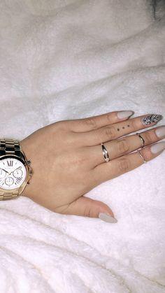 #nails Gel Nail Designs, Nails Design, Gel Nails, Make Up, Triangles, Tattoos, Claws, Nail Ideas, Accessories