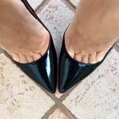 Sexy Legs And Heels, Sexy High Heels, High Heels Stilettos, Stiletto Heels, Shoes Heels, Flats, Sandals, Beautiful High Heels, Gorgeous Feet