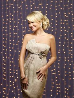 Would be an easy and fantastic christmas photo background (oh. and LOVE Kristin Chenoweth too! Photo Props, Photo Booth, Photo Backdrops, Christmas Photo Background, Prom Decor, Photo Backgrounds, Girl Crushes, Strapless Dress Formal, Celebrity Style