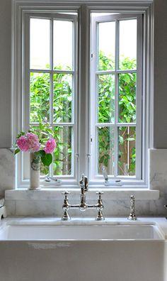 white simple beautiful kitchen sink