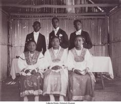 Ambonse bruidsparen in traditionele kledij