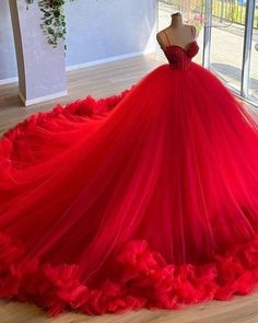 Royal Ball Gowns, Red Ball Gowns, Ball Gowns Evening, Princess Ball Gowns, Tulle Ball Gown, Evening Dresses, Tulle Balls, Red Gowns, Ball Gowns Prom