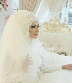 Hijabi Wedding, Muslimah Wedding Dress, Arab Wedding, Muslim Wedding Dresses, Muslim Brides, Wedding Hats, Hijabs, Mode Hijab, Updos