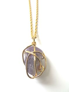 Vintage 1970s Bohemian Healing Amethyst Quartz Crystal Gold Wire Wrapped Pendant Necklace >