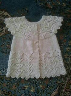 Diese 41 verschiedene Strick Baby Weste Cardigan Kleid Modelle No Sells! This 41 different knitted baby vest cardigan dress models No Sells! Baby Knitting Patterns, Knitting For Kids, Easy Knitting, Crochet For Kids, Crochet Baby, Baby Cardigan, Dress With Cardigan, Vestidos Bebe Crochet, Big Knits
